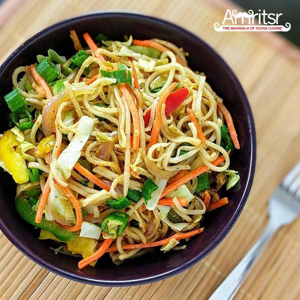 Vegetable Hakka Noodles in Dubai